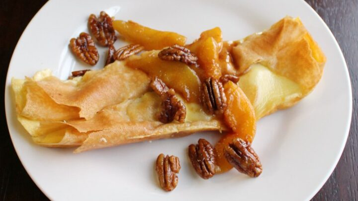 cottage2Bcheese2Bcrepe2Bwith2Bpeaches2Band2Bpecan