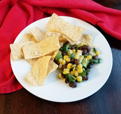 chips2Bwith2Bblack2Bbean2Bcorn2Bavocado2Bsalad