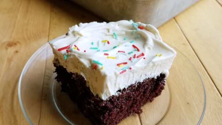 piece2Bof2Bchocolate2Bcake2Bwith2Bwhipped2Bsweetened2Bcondensed2Bmilk2Bfrosting