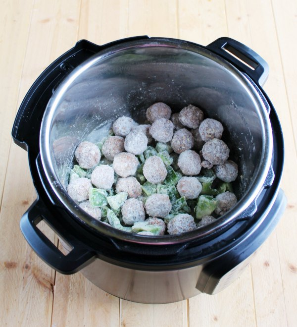 frozen meatballs and green peppers tossed in flour in instant pot