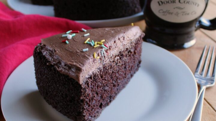slice2Bof2Bchocolate2Bmayonnaise2Bcake2Bserved