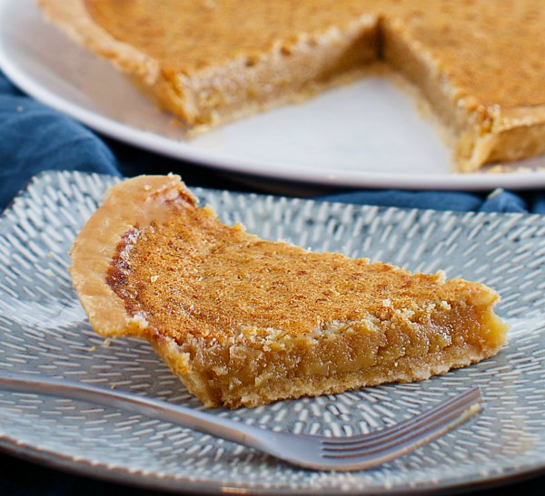 close slice of honey chess pie