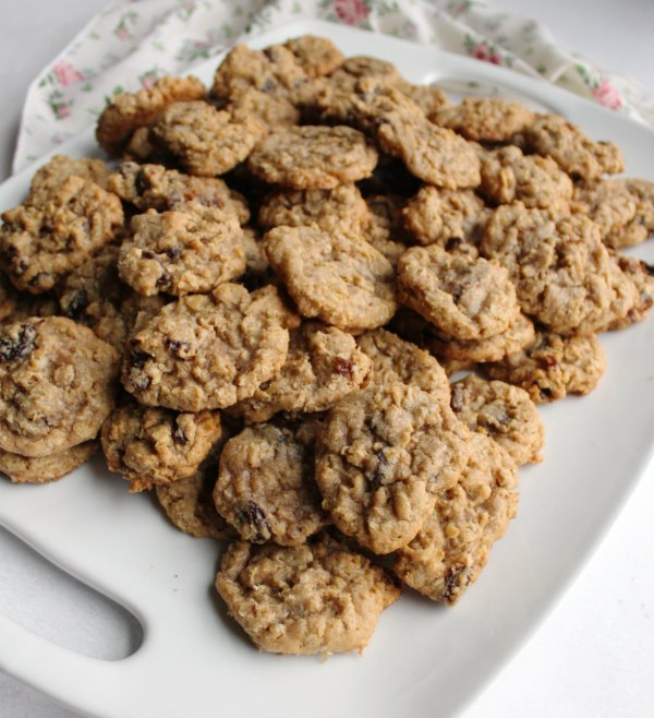 platter piled high with oatmeal cinnamon drop cookies