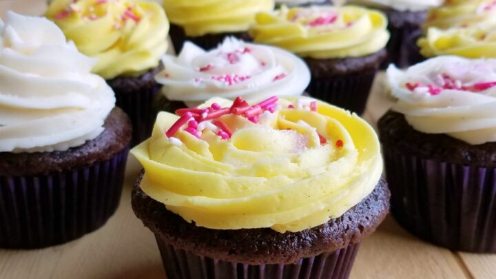 Chocolate2BBanana2BCupcakes2Bwith2BSweetened2BCondensed2BMilk2BButtercream2Bfrosting 2
