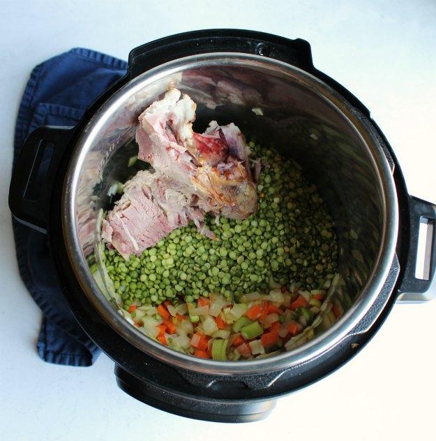 split pea ingredients in instant pot