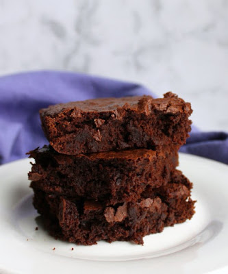 stack of rich brownie slices