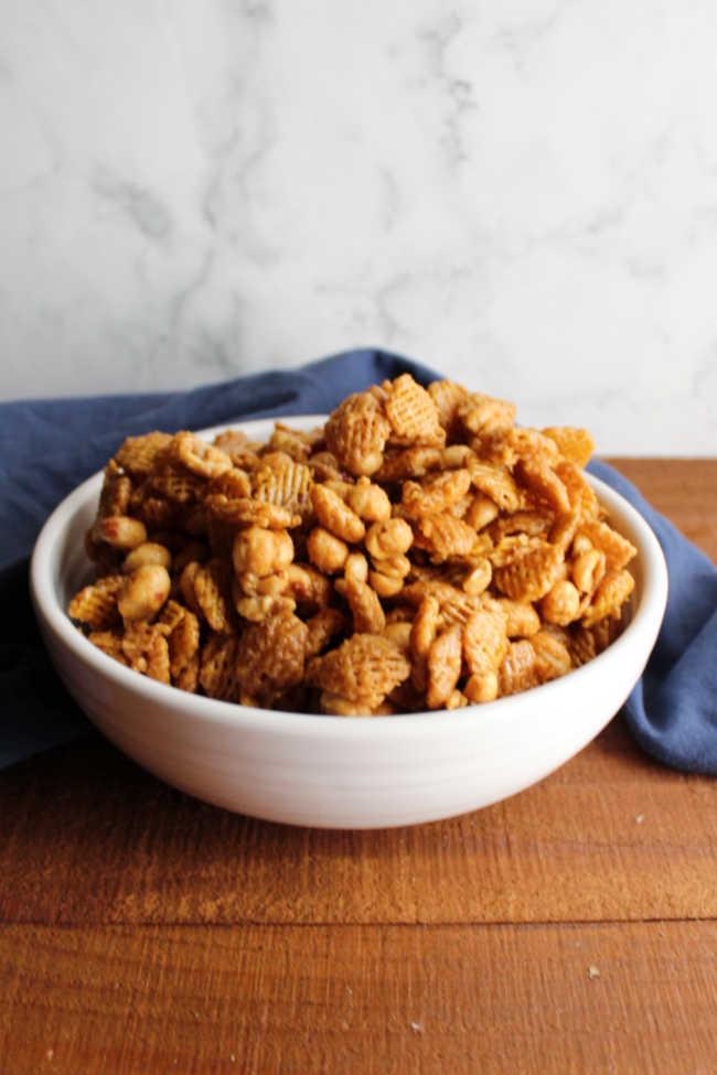 bowl of microwave caramel crispix mix