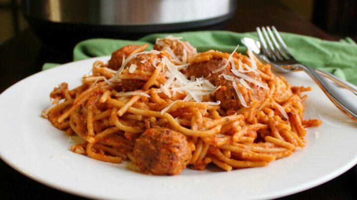 close2Bplate2Bof2Bspaghetti2Band2Bmeatballs2Bwith2Bparmesan