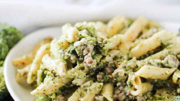one pot creamy pasta with Italian sausage and broccoli