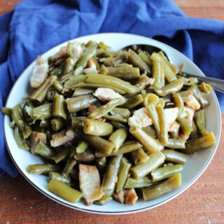 Bowl of green beans and bacon ready to serve.